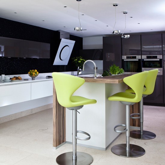 Lime green and black hi gloss kitchen - Black and lime green kitchen ...