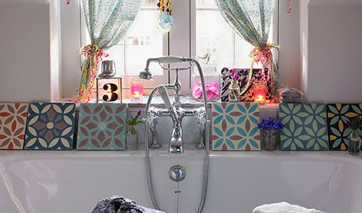 Cottage-chic bathroom