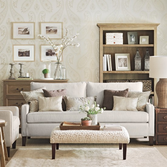 Subtle Paisley Living Room Decorating Ideas