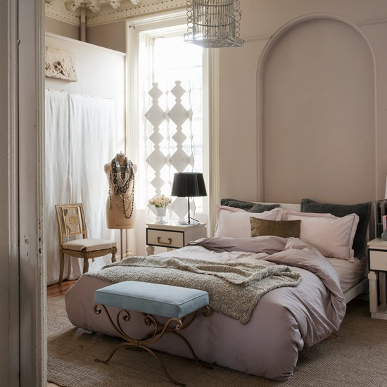 Pastel pink and cream luxury bedroom bedroom decorating for Bedroom designs cream