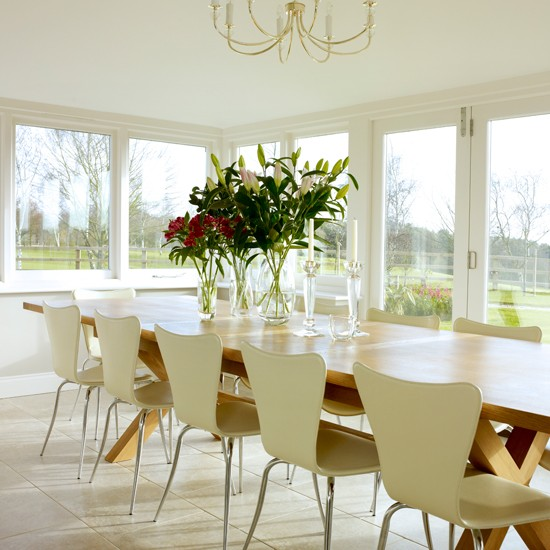 Oak and cream modern dining room Dining room decorating  : Oak and Cream Dining Room 25 Beautiful Homes Housetohome from www.housetohome.co.uk size 550 x 550 jpeg 73kB