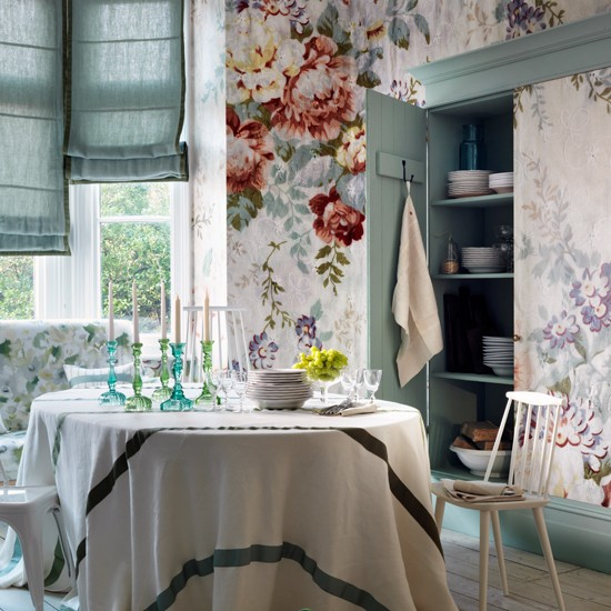 Floral and sage dining room | Dining room decorating | Homes and Gardens Housetohome.co.uk