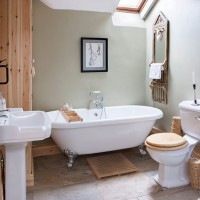 Be inspired by this rustic country bathroom