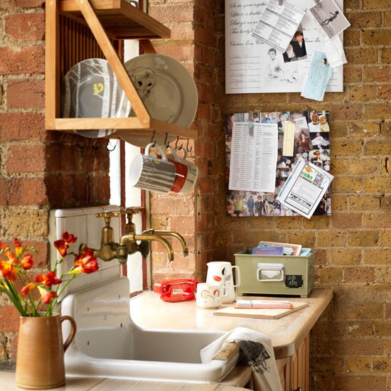 Wall planner | Country utility room ideas | Utility room | PHOTO GALLERY | Country Homes and Interiors | Housetohome.co.uk