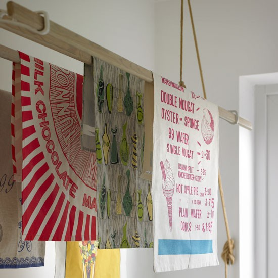 Laundry airer | Country utility room ideas | Utility room | PHOTO GALLERY | Country Homes and Interiors | Housetohome.co.uk