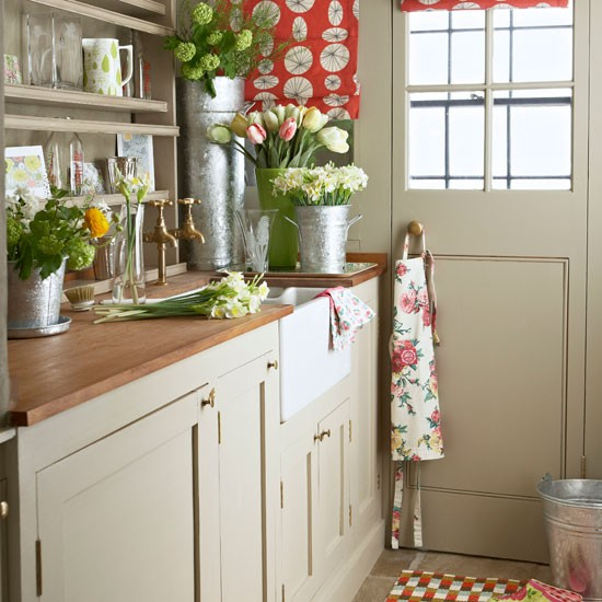 Flower room | Country utility room ideas | Utility room | PHOTO GALLERY | Country Homes and Interiors | Housetohome.co.uk