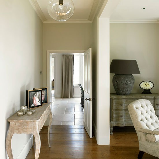 Hallway | West Sussex home | House tour | PHOTO GALLERY | 25 Beautiful Homes | Housetohome.co.uk