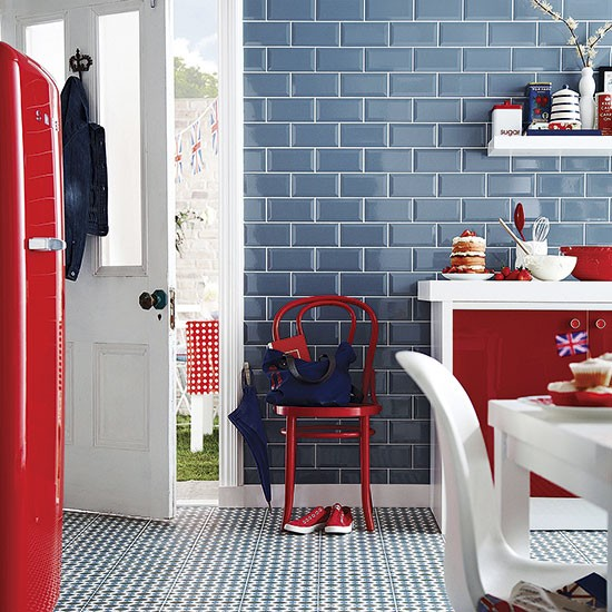 Red white and blue tiled kitchen colouful kitchen ideas for Red white and blue kitchen ideas