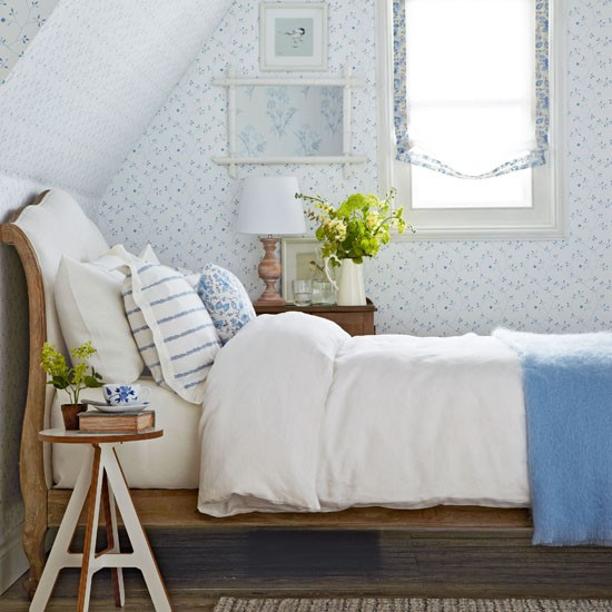 Vintage design ideas to transform your bedroom create a for Classic white bedroom
