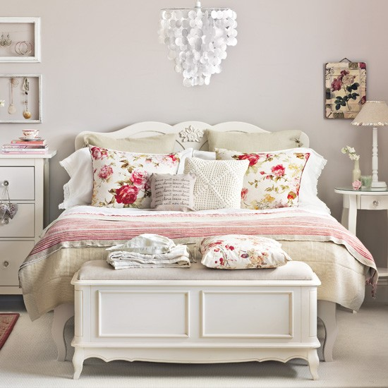 Bedroom in country creams and faded florals  Vintage bedroom ideas ...
