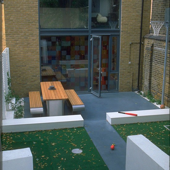 Child Friendly And Practical Garden Space Contemporary