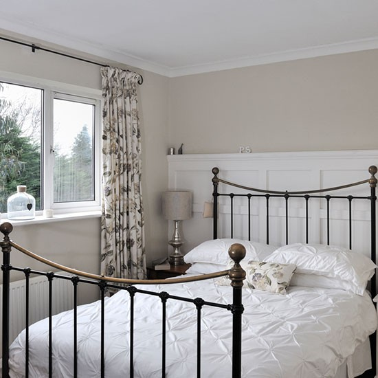 Main bedroom | New England-style home | House tour | PHOTO GALLERY | Ideal Home | Housetohome.co.uk