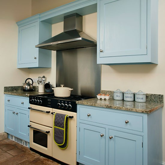 Country Kitchen Range: Be Inspired By This Blue Country Kitchen