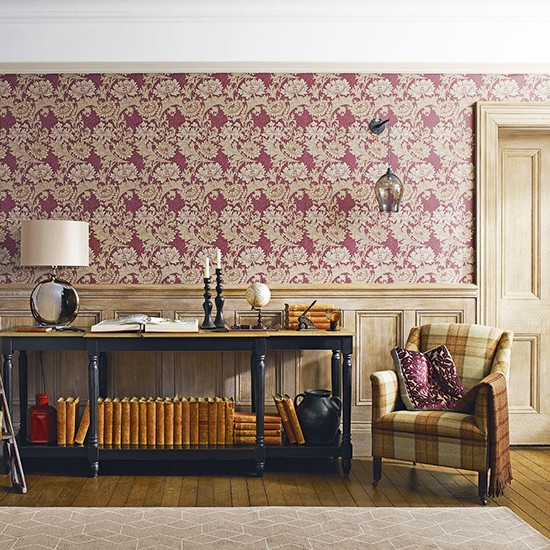 Find a patterned wallpaper for a galleried hall | Celia Rufey wallpaper questions | wallpaper | PHOTO GALLERY | Housetohome