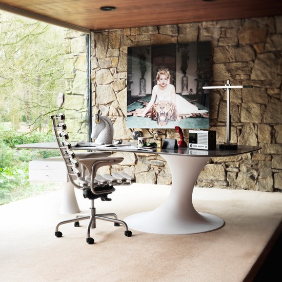 Modern home office with stone feature wall home office - Home office design ideas with stones trails ...