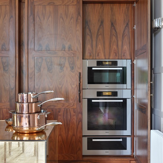 Vintage inspired rosewood kitchen kitchen decorating for Vintage kitchen units uk