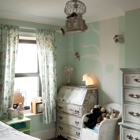 Child 39 s french inspired bedroom french vintage design for French antique bedroom ideas