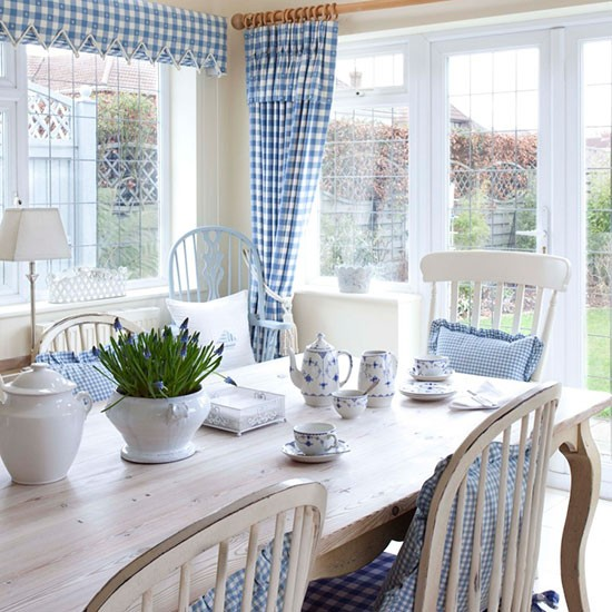 Dining Room With Gingham Soft Furnishings Country Dining