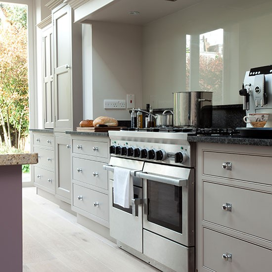Pale grey kitchen with range cooker kitchen decorating housetohome