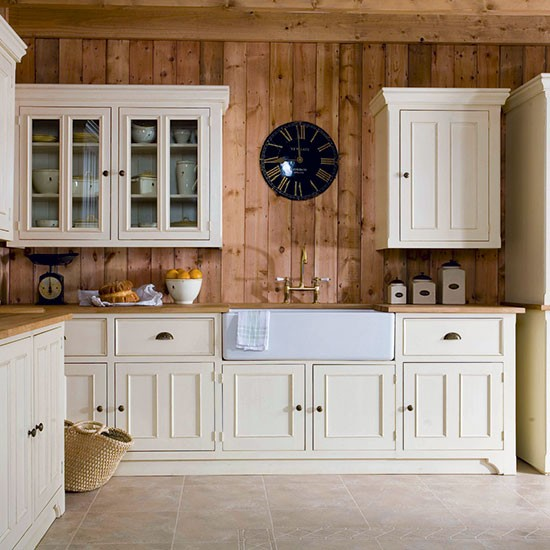 Victorian inspired kitchen freestanding kitchen ideas for Free standing kitchen ideas