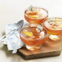 Peach and muscat jellies