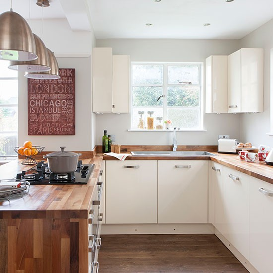 White Kitchen Units With Oak Worktop: Cream And Woodblock Worktop Kitchen