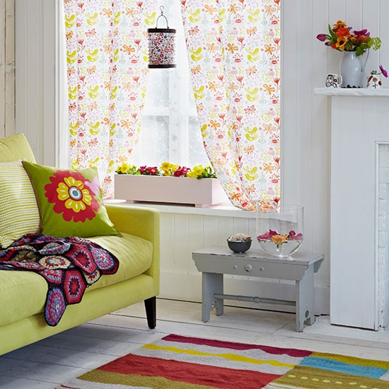 Bright Living Room Decorating With Country Colours