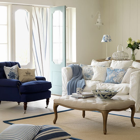 blue and white living room decorating with country