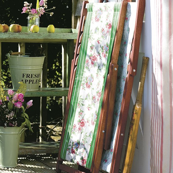 Country style garden deckchairs | Country garden design ideas | Garden | PHOTO GALLERY | Housetohome.co.uk