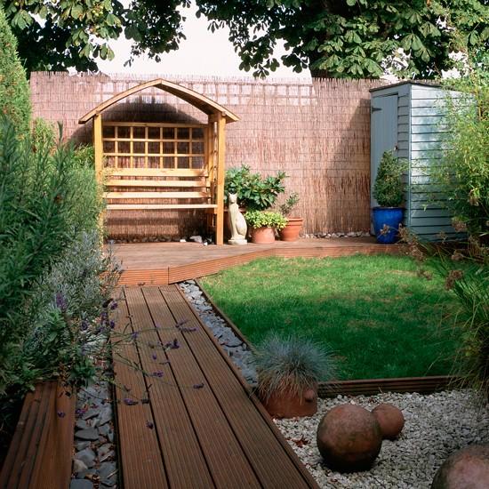 Small garden with covered bench | Traditional garden design ideas ...