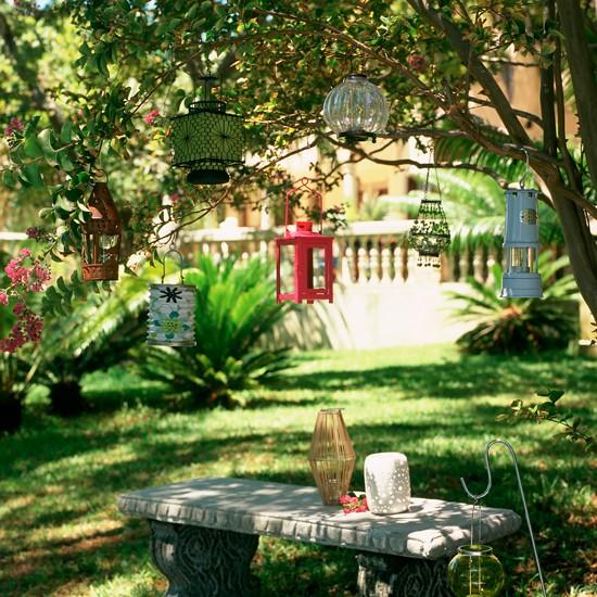Hagyományos kert lógó lámpák | Hagyományos kerttervezés ötletek | Kert tervezés | KÉPGALÉRIA | Housetohome.co.uk