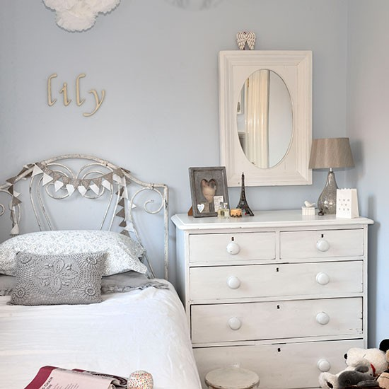Pale Blue And White Girls Bedroom Children 39 S Room Decorating Housetoh