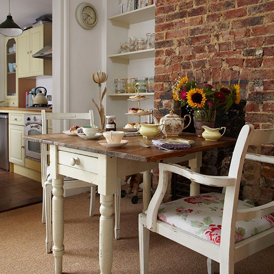 Brickwork And Cream Dining Room Decorating