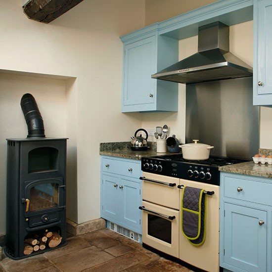 Country style kitchen decorating ideas 2017 2018 best for Blue and cream kitchen ideas
