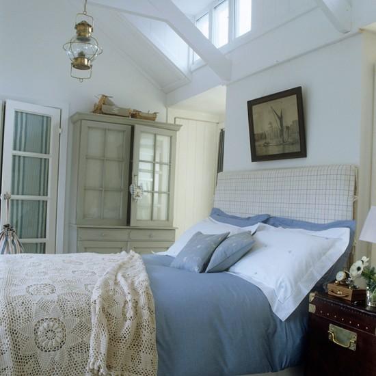 Bedroom decorating ideas for Bedroom ideas light blue