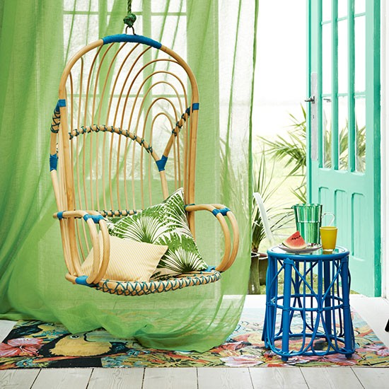 Retro Green And Blue Living Room With A Tropical Feel