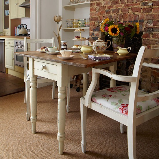 Cosy dining room | Vintage-style Edwardian cottage | House tour | PHOTO GALLERY | Ideal Home | Housetohome.co.uk