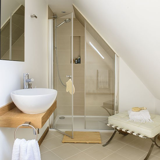Tiny shower room ideas easy home decorating ideas for Tiny shower room design