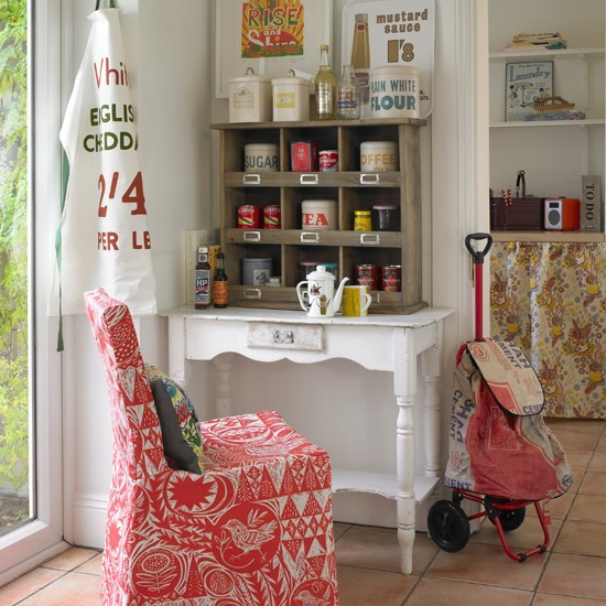 Kitchen corner | Country storage ideas | PHOTO GALLERY | Country Homes and Interiors | Housetohome.co.uk