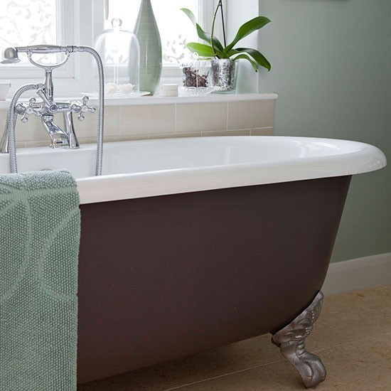 Painted Roll Top Bath Be Inspired By This Country Style