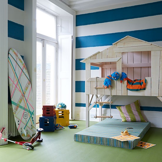 Blue and white striped boys bedroom bedroom decorating for Boys bedroom designs uk