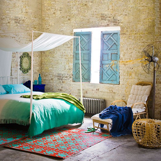 Emerald green and stripped brickwork bedroom bedroom for Emerald green bedroom ideas