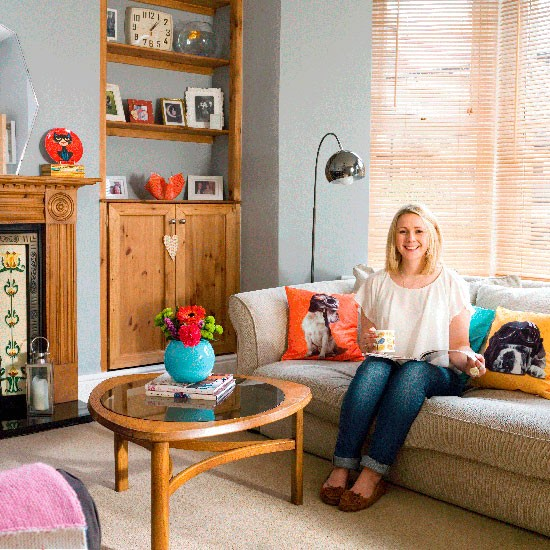 Step inside alix 39 s stylish terraced home in north for Living room north end