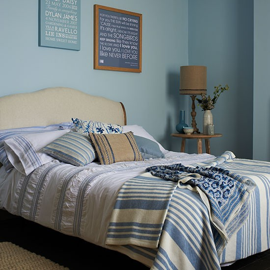 Interior Of Bedroom Wall Duck Egg Blue Bedroom Pictures Bedroom With Single Bed Bedroom Curtains Uk: Blue Country Bedroom With Striped Bedding