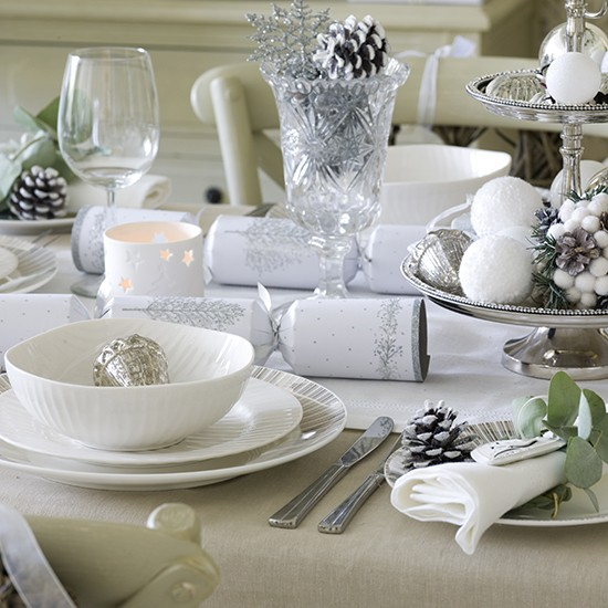 Simple Silver And White Christmas Table Setting Budget