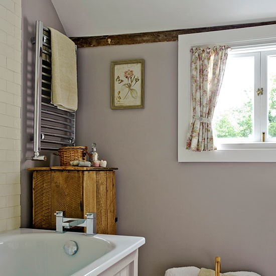 Towel rail | Small bathroom ideas | PHOTO GALLERY | Country Homes & Interiors | Housetohome.co.uk
