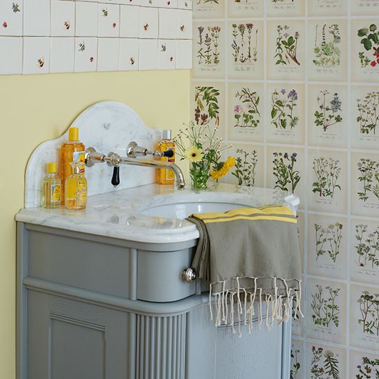 Botanical theme | Small bathroom ideas | PHOTO GALLERY | Country Homes & Interiors | Housetohome.co.uk
