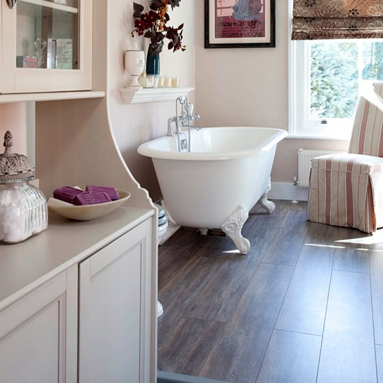 Laminate flooring bathroom flooring for Laminate flooring bath