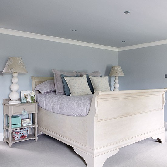 Main bedroom | Herfordshire barn conversion | House tour | PHOTO GALLERY | Country Homes & Interiors | Housetohome.co.uk