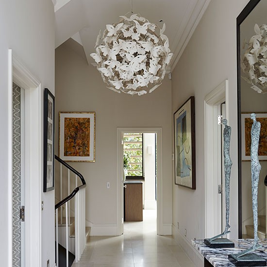 1 Entrance hall October house tour butterfly pendant light photograph Alicia Taylor Homes  Gardens House to Home ورق جدران و ديكورات فلل للمتميزين  2014